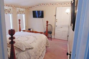 Farnsworth Room at William Seward Inn in Westfield, NY