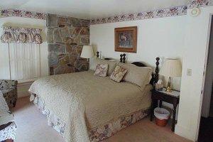 Johnson Room at William Seward Inn in Westfield, NY