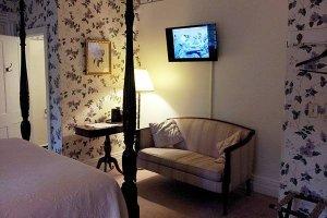 Patterson Room at William Seward Inn in Westfield, NY