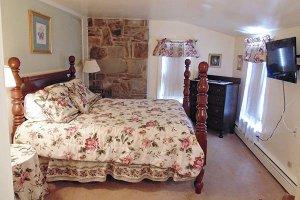 Welch Room at William Seward Inn in Westfield, NY