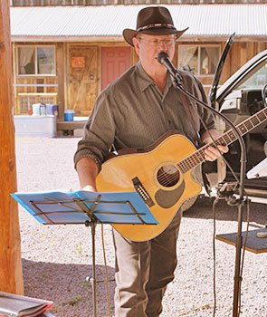 Brian - Musician at Trappers Rendezvous Guest Cabins in Williams, Arizona