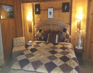 King Rooms at Arrowhead Tree Top Lodge in Lake Arrowhead, California