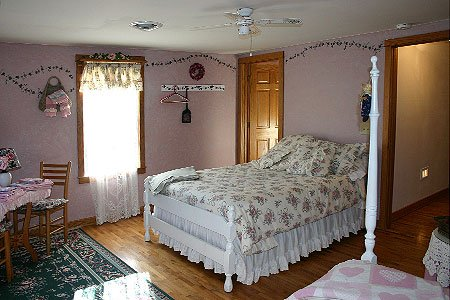 Bekie Room at Country Pleasures in Cashton, WI