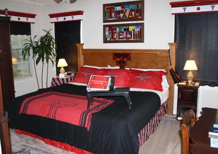 Guest Rooms at Woodrow House B&B in Lubbock, Texas