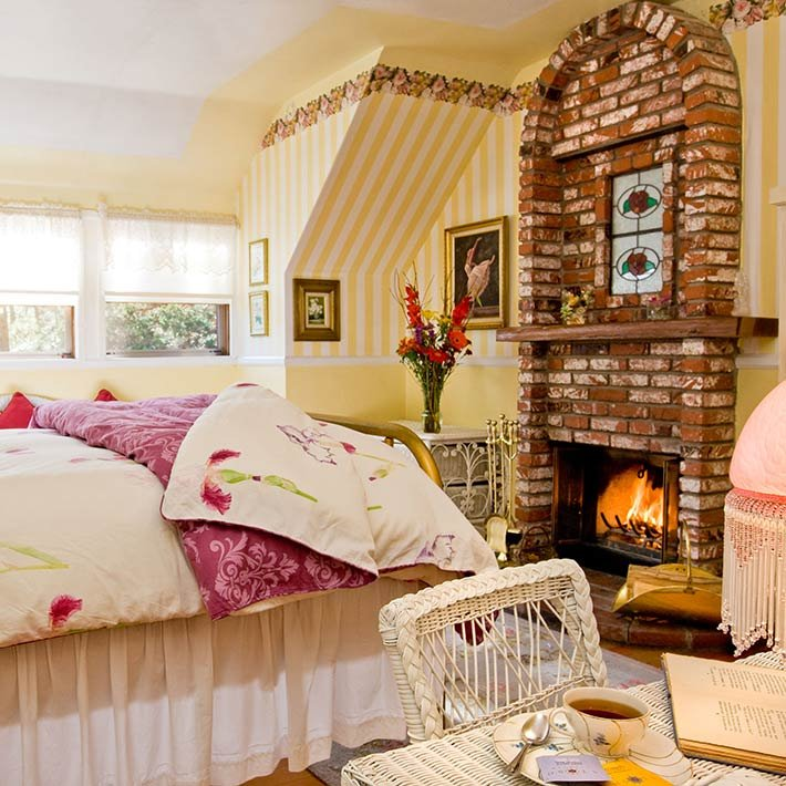 Bessie's Room at Gold Mountain Manor