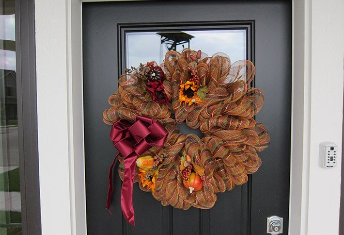 door decoration at the crossings bed and breakfast