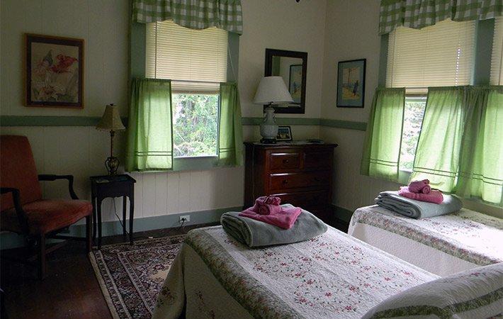 Twin Room at Maureen's Bed and Breakfast in Hilo Hawaii