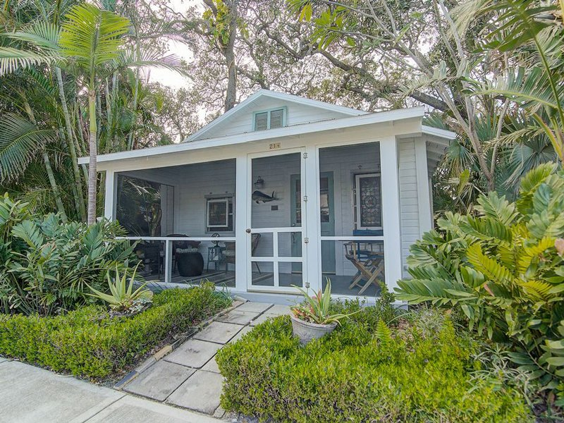 Tropical Beach Cottage at Carter vacation Rentals