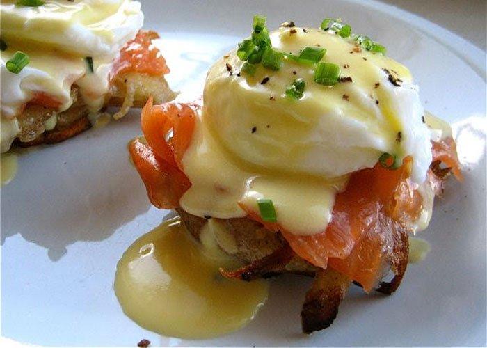 Close up of Eggs benedict