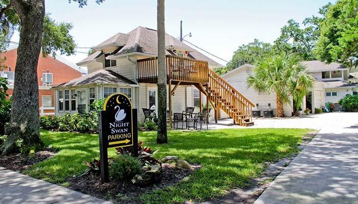 Guest Rooms at Night Swan Inn at New Smyrna Beach, FL