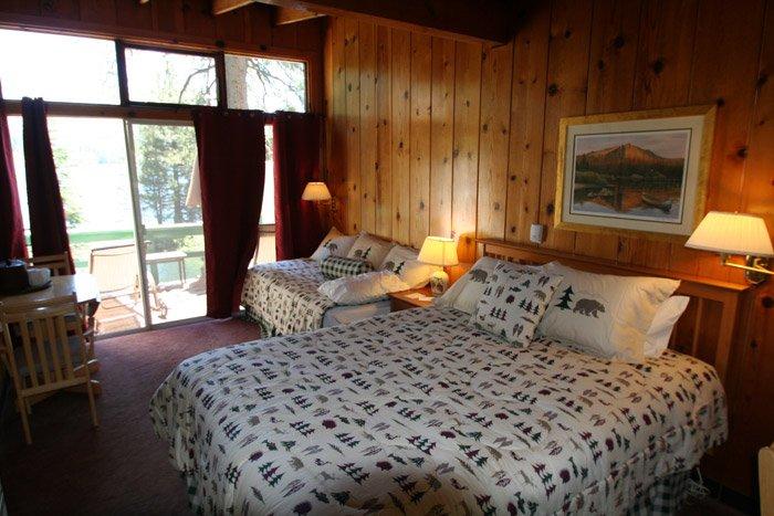 A cabin bedroom