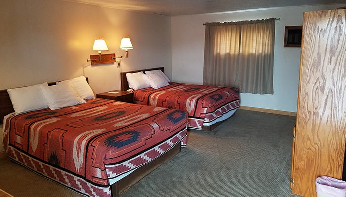 Rooms at Lamplighter Lodge in Panguitch, UT