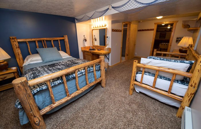 Pineview Room