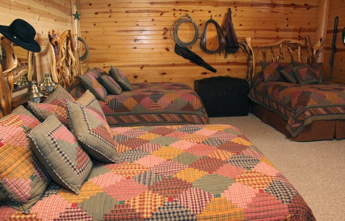 Bunk House room at Hayhurst Bed and Breakfast in Pine, Idaho