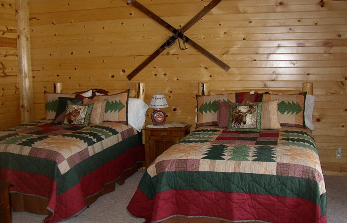 Warming Hut room at Hayhurst Bed and Breakfast in Pine, Idaho
