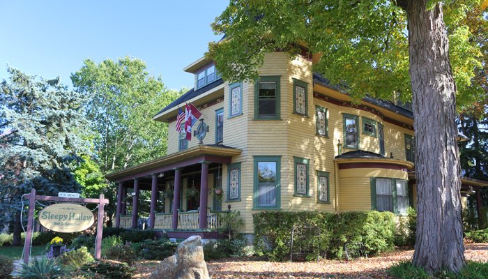 Sleepy Hollow Bed and Breakfast in Gananoque, Ontario, Canada