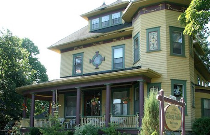 Sleepy Hollow B&B Gananoque