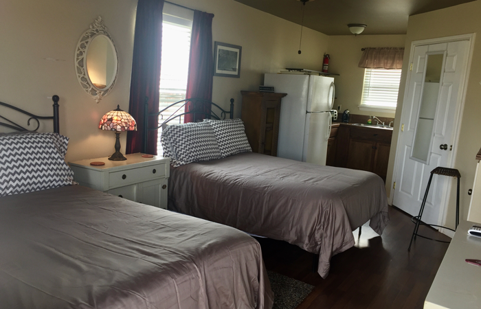Cabins at Vara Guest House in Garden City, Texas