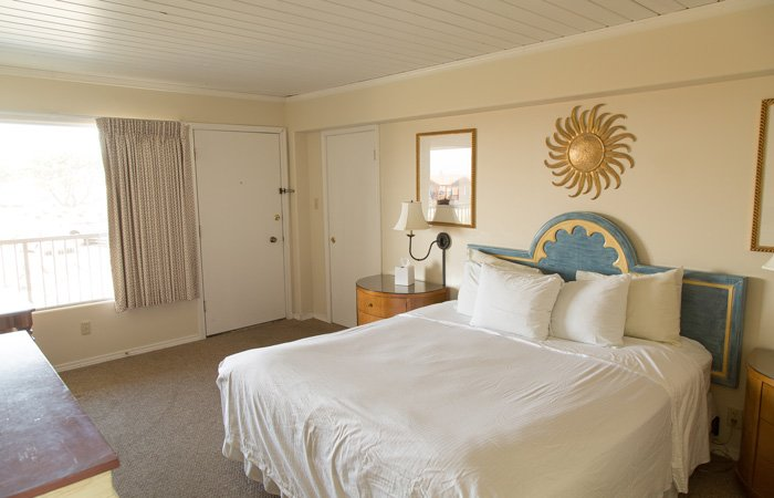 Rooms at the Westport Inn in Longbeach, Washington