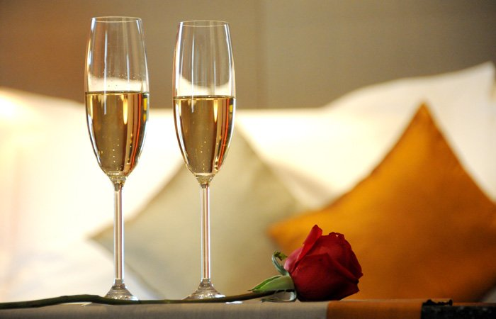 Romance package special at Walnut Street Inn in Springfield, Missouri