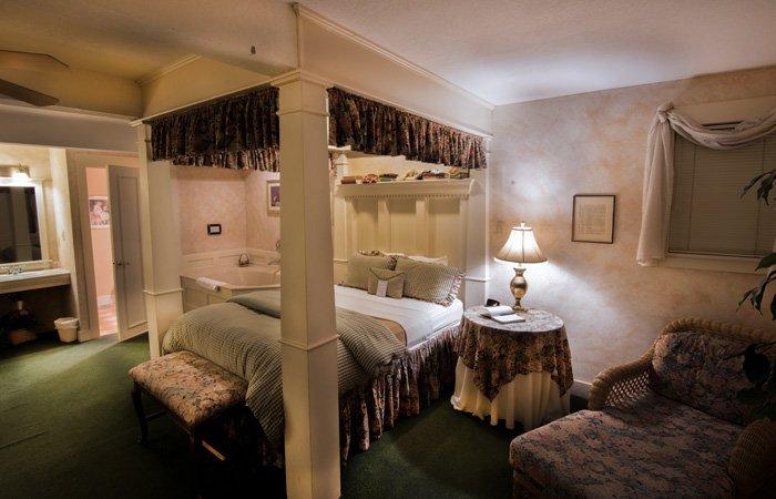 Carraige House rooms at the Walnut Street Inn in Springfield, Missouri