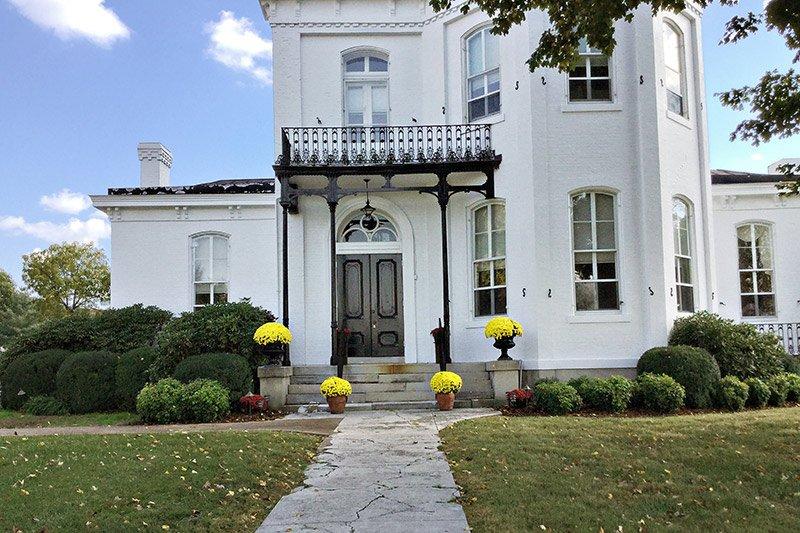 Inn History of Blythewood Inn in Columbia, TN