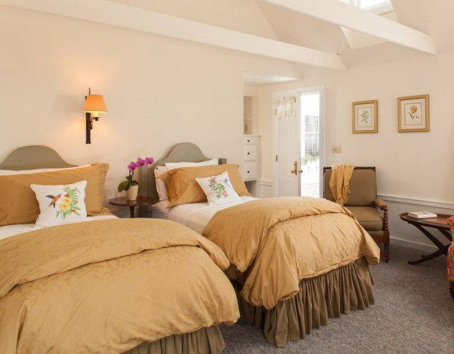 McIntosh Cottage Room 16