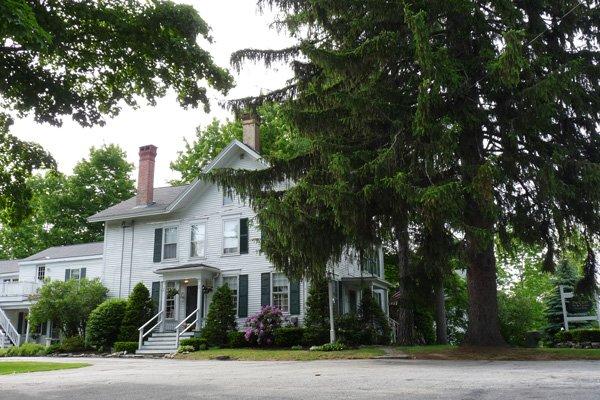 Pincrest Inn Bed and Breakfast