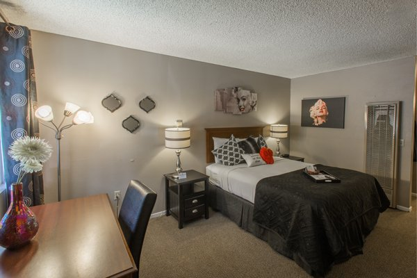Queen Rooms at the Alder Inn