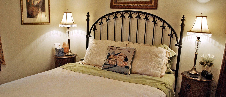 J Paules Fenn Inn Guest Room 5