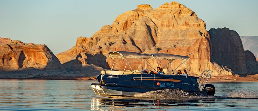 23 ft Larsen Escape Pontoon Boat Rental at Wahweap Marina