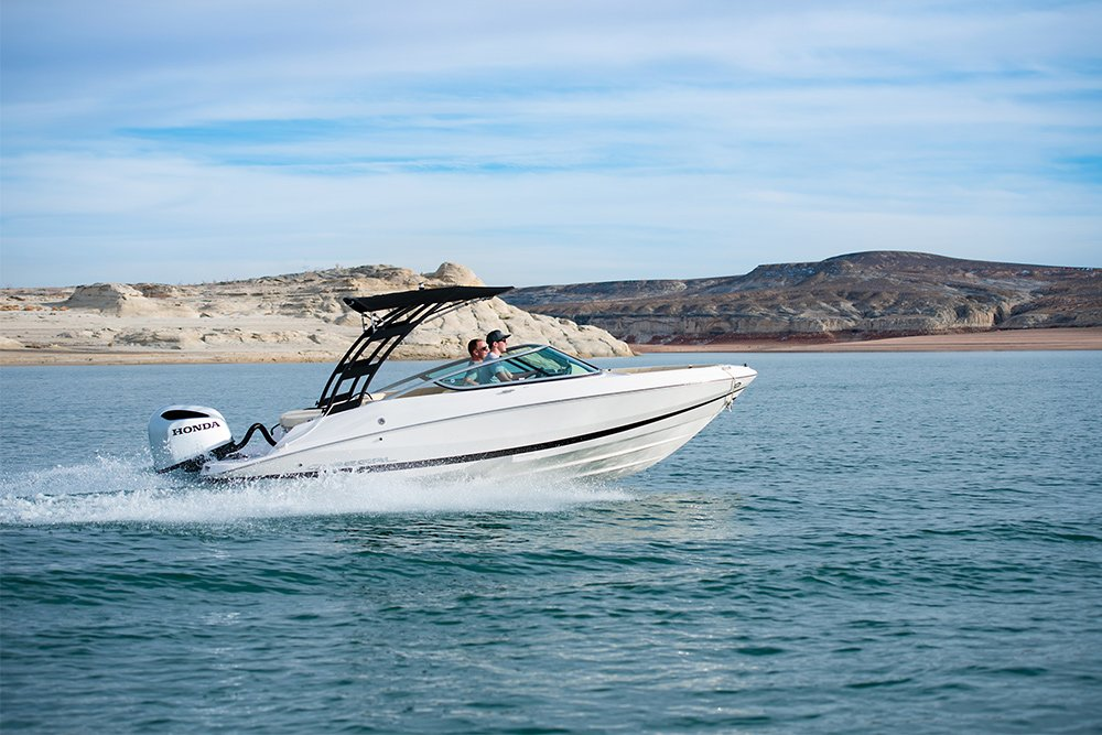 NEW 21-ft Regal Powerboat Rental at Wahweap Marina Lake Powell