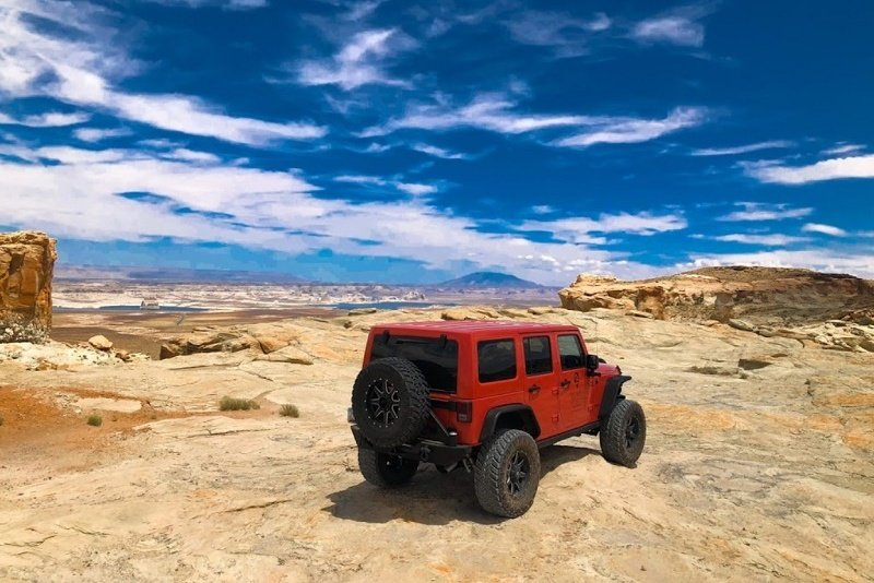 Jeep & hiking tours based in Page, Arizona