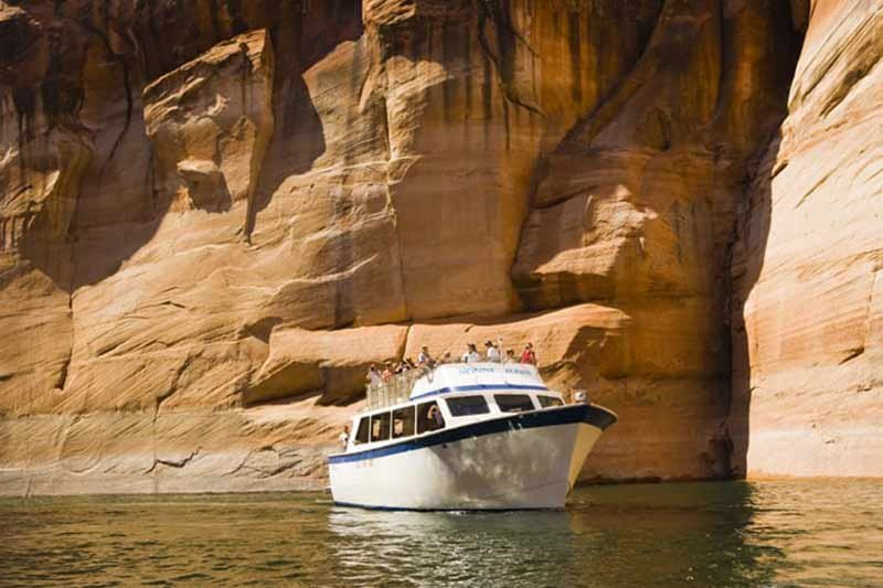 Lake Powell Scenic Boat Tours