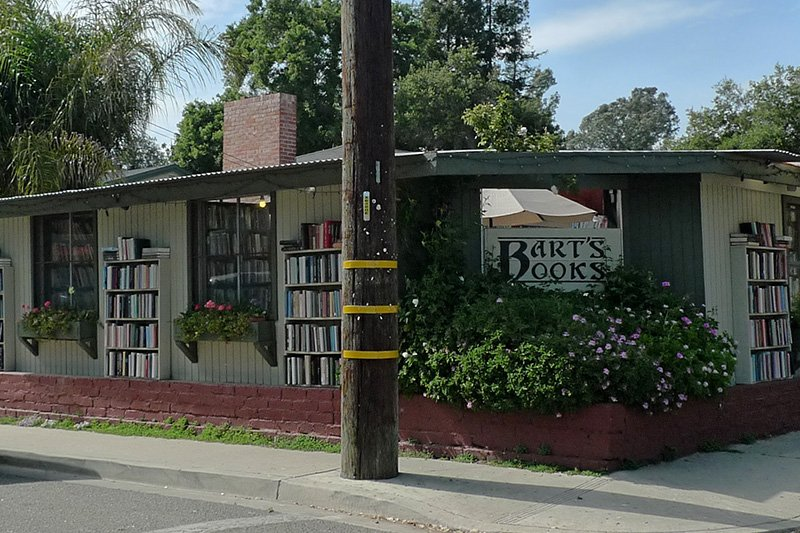 A building with the sign Bart's Books