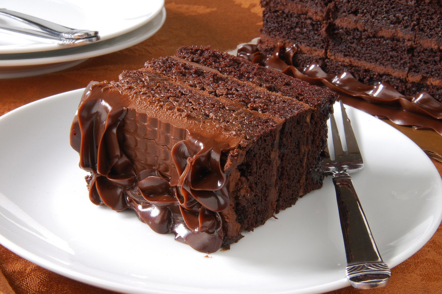 Great Tree Inn custom options for packages chocolate cake