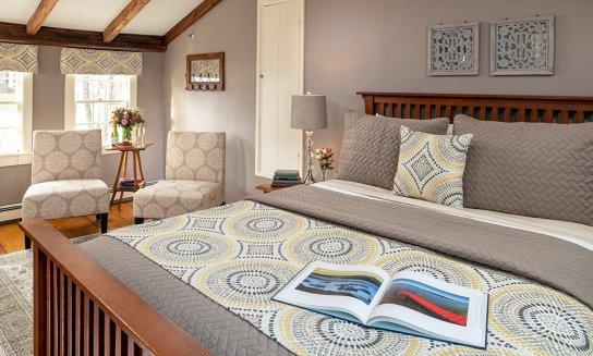 guest room in greys