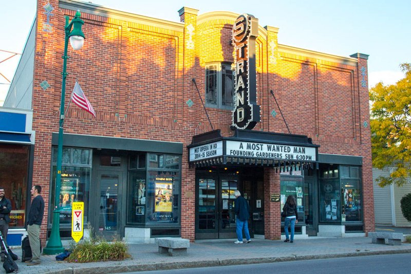 Rockland Strand Theater exterior