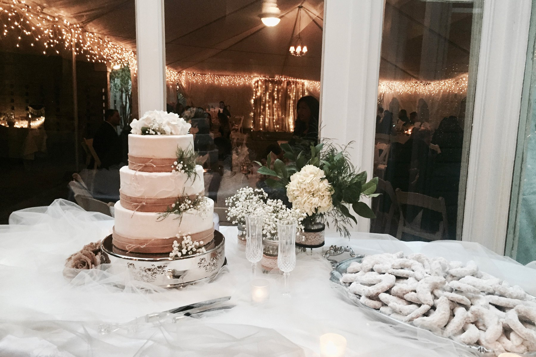 Crystal River Inn Wedding cake