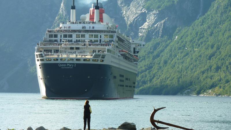 cruise ship Queen Mary 2 moving toward shore