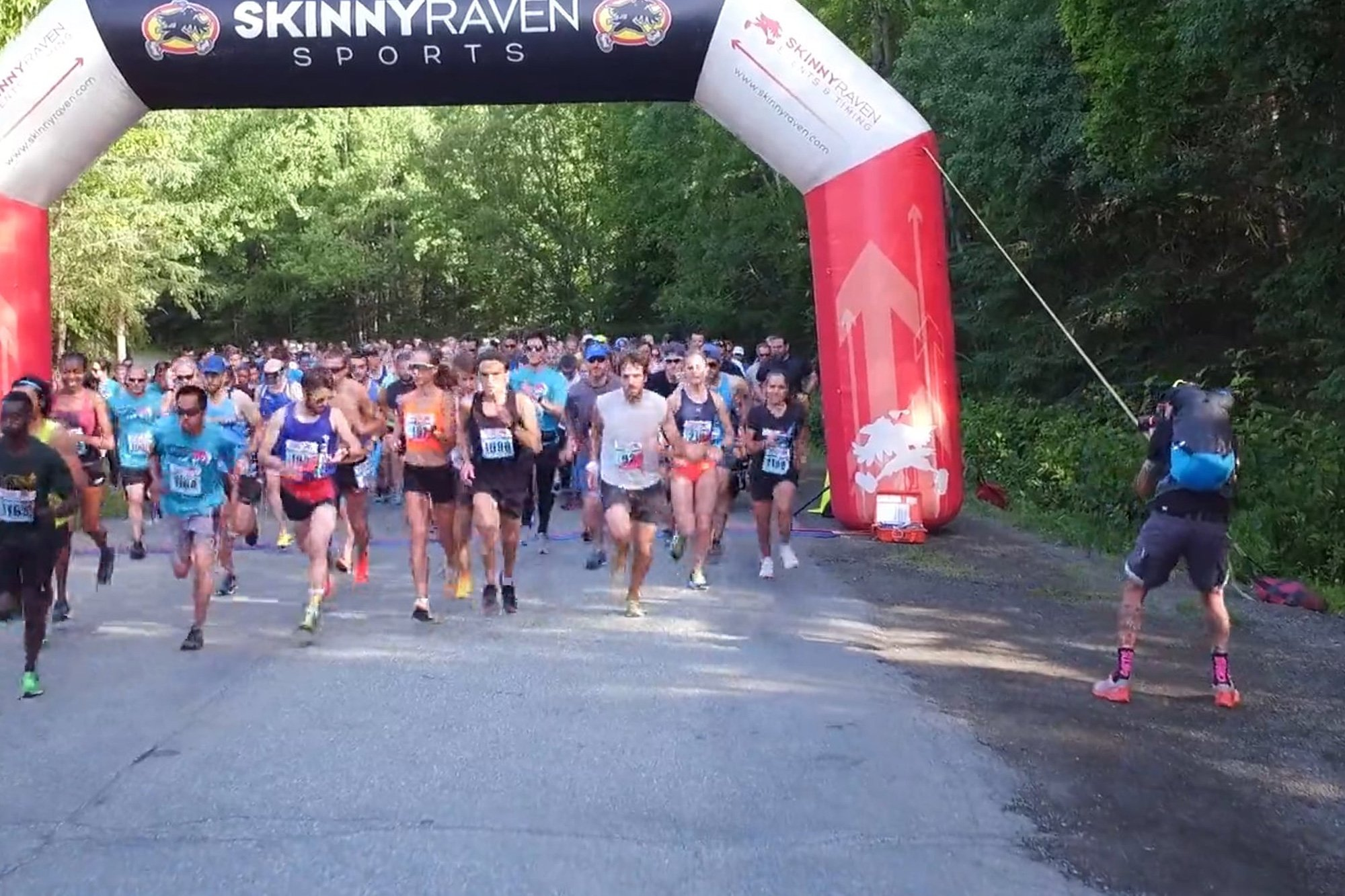 runners at start of race