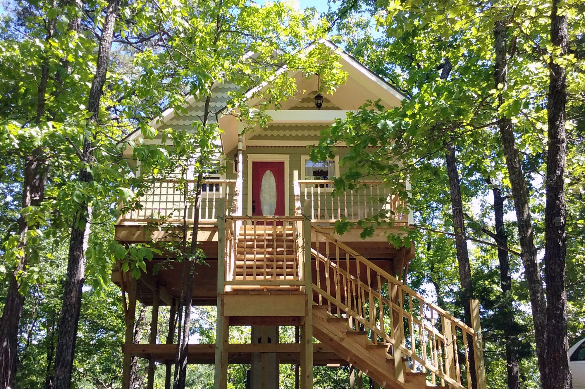 treehouse with stairs