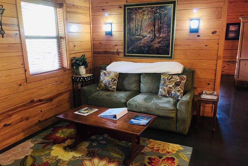 Romantic Creek Cabin